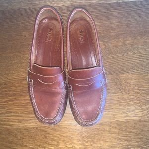 Weejuns Bass pennie loafers  women's size 8.5M Clarad